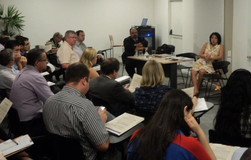 Assembleia no Sindivarejista reuniu representantes do setor