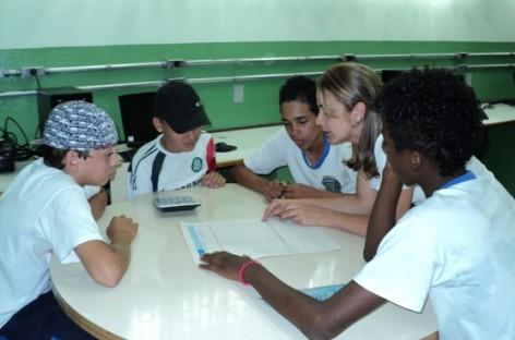 Alunos aprendem a fazer o orçamento familiar na região do Ouro Verde