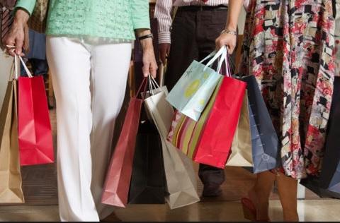 Varejo vendeu mais 8,1% em fevereiro