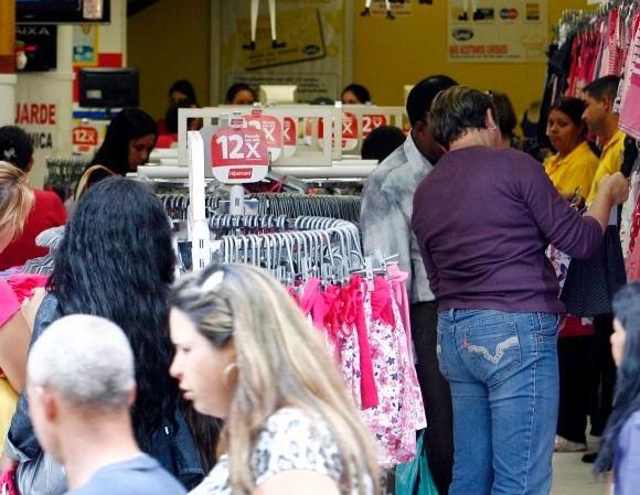 Vendas no varejo brasileiro sobem 0,5% em junho, segundo IBGE