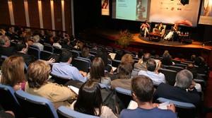 Foto_Conferencia_2007_credito_Adriano-Rosa-300x167