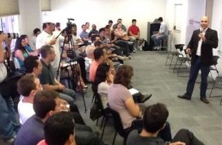 Aula inaugural de pós em Marketing Digital lota sala do Sindivarejista