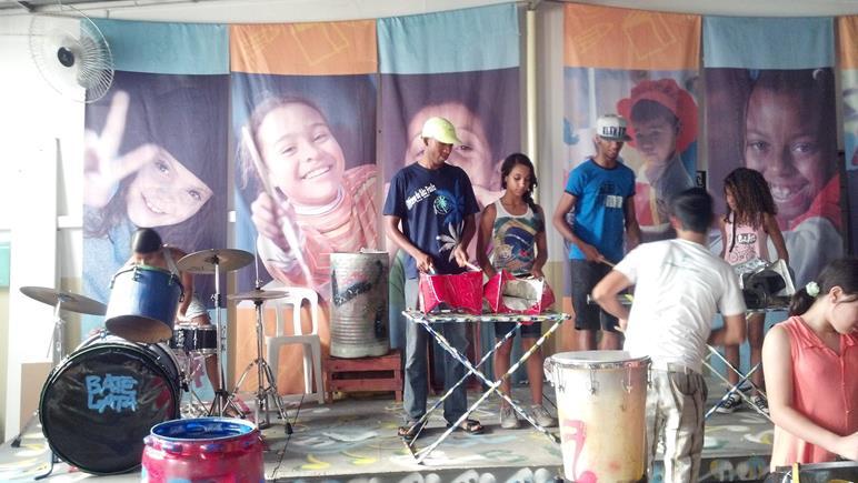 Banda Bate Lata, instrumentos musicais reciclados - Campinas
