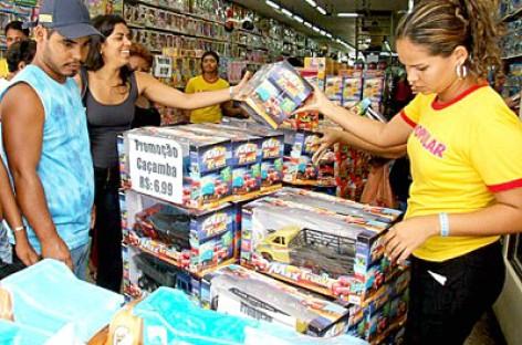 Vendas do varejo subiram 1,2% em março, segundo o IBGE
