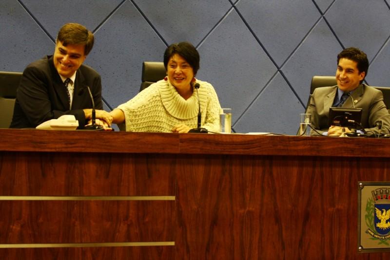 Sindivarejista apresenta projeto social na Câmara