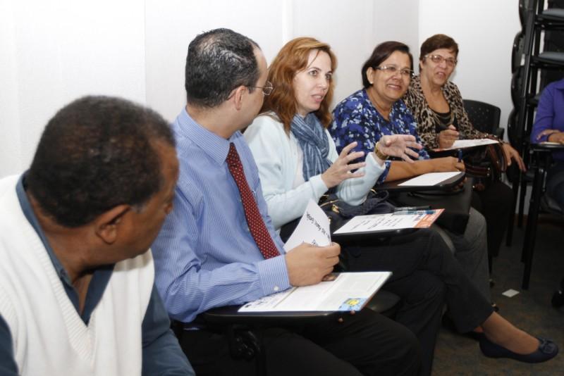 Sindivarejista apresenta o Conexão Empresarial aos contadores