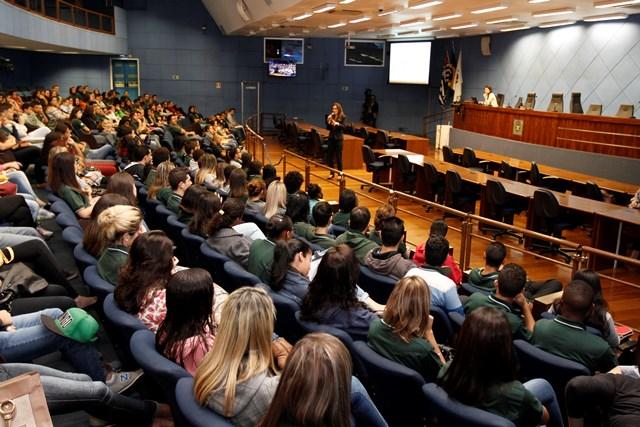 SindiVarejista realiza palestra sobre sustentabilidade para jovens