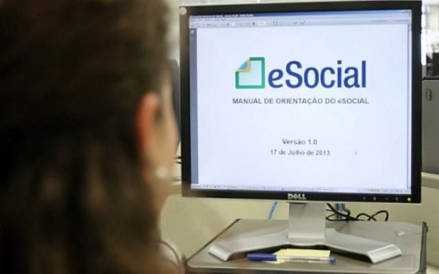 Comerciante, prepare-se para o eSocial que deve começar ainda este ano