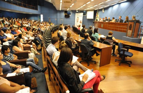Nova palestra sobre eSocial volta a lotar o plenário da Câmara