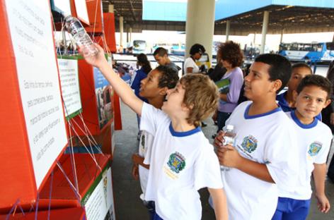 Exposição no Terminal Ouro Verde pode ser vista até 12 de outubro