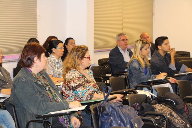 Palestra sobre Substituição Tributária reuniu profissionais no SindiVarejista