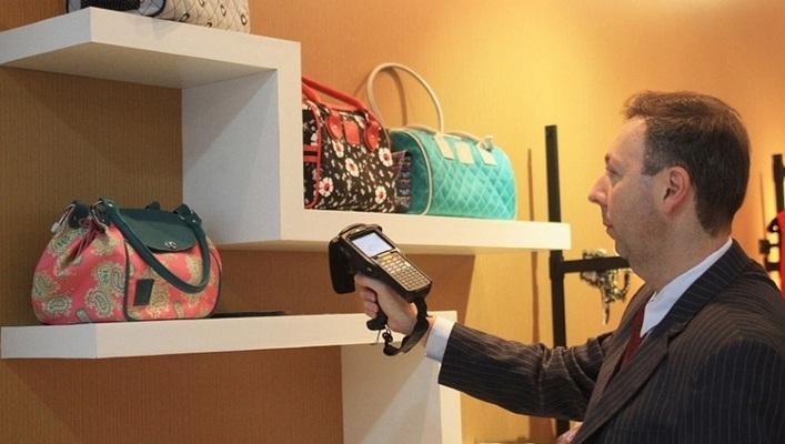 Loja Modelo faz sucesso na Feira do Empreendedor