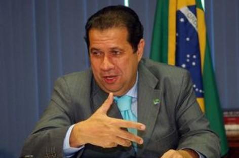 Ministro recebeu centrais sindicais para falar sobre novo ponto eletrônico