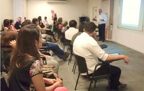'Redes Sociais' abre ciclo de palestras em 2014 do Sindivarejista
