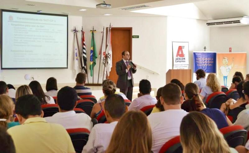 Palestra sobre Soluções Fiscais para o Varejo lota sindicato