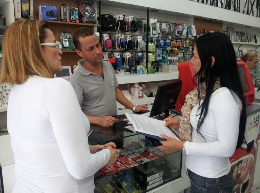 Sindivarejista distribui panfletos e orienta sobre ato em Campinas