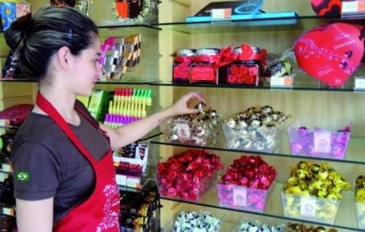 Comércio de Campinas deve contratar 2,4 mil temporários para Páscoa