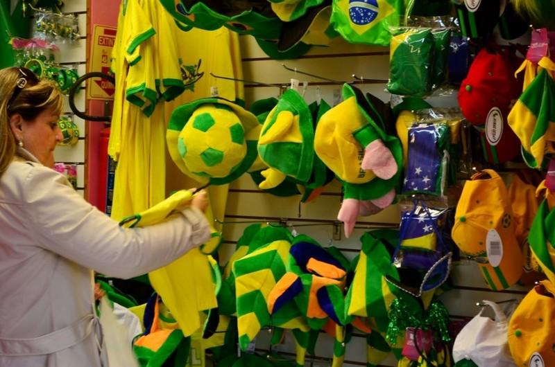 Sebrae alerta: é a hora de queimar o estoque de produtos da Copa