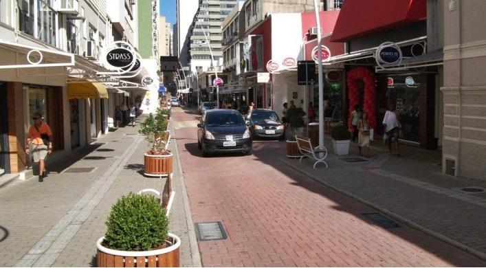 Projeto de revitalização muda cara do comércio de rua no Sul e em Minas