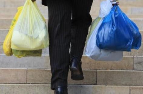 Proibição do uso das sacolas plásticas vira tendência em todo o Brasil