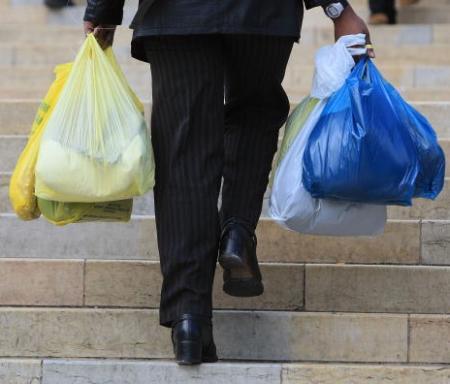 Vereadores de SP rejeitam lei para abolir sacolas plásticas