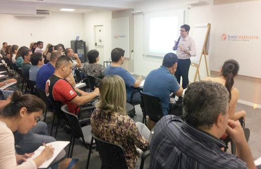 Palestra sobre Estoque lota o Conexão Empresarial