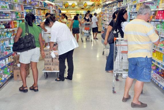 Supermercados vendem 4,81% mais em setembro, diz Abras