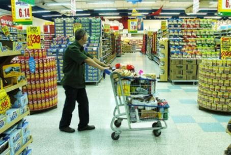 Supermercados menores adotam estratégia para Copa no Brasil