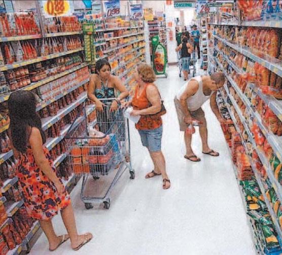 Supermercados vendem mais em 2012, alta de 5,37%