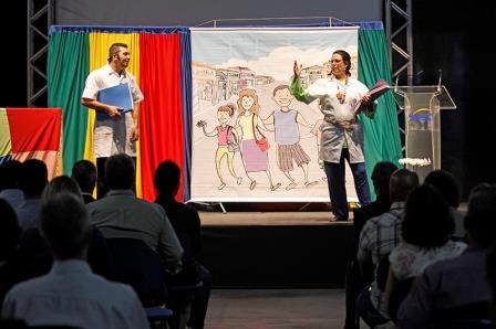 Teatro Orçamento Familiar é apresentado no evento de 70 anos