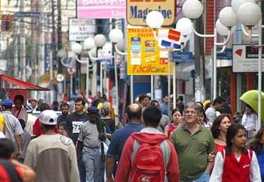 Varejo cresce 6,4% em 2012 e registra a menor expansão em três anos