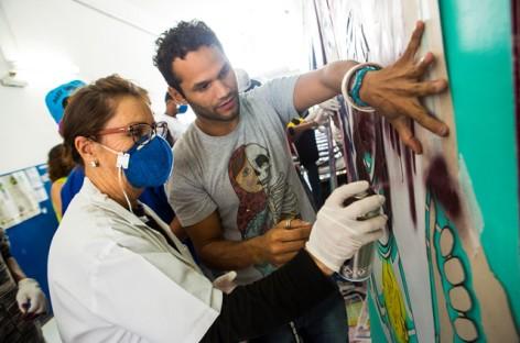 Telas pintadas em oficina de grafite iniciam exposição dia 9