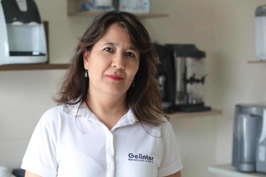 Juliana Ivase, proprietária Gelinter Bebedouros e Filtros. Foto Adriano Rosa