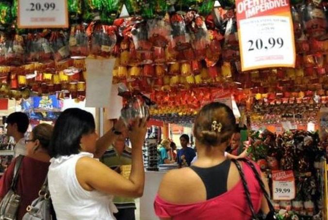 Supermercados reduzem encomendas de ovos de Páscoa