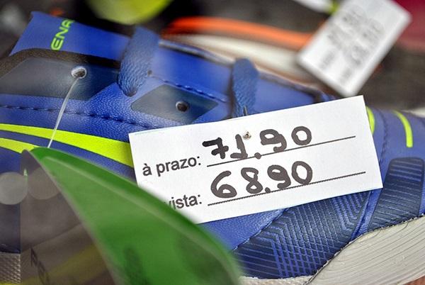 Procon orienta consumidor a vigiar afixação de preços no comércio