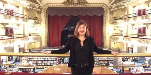 CASE: A moça que descobriu um jeito especial de vender livros