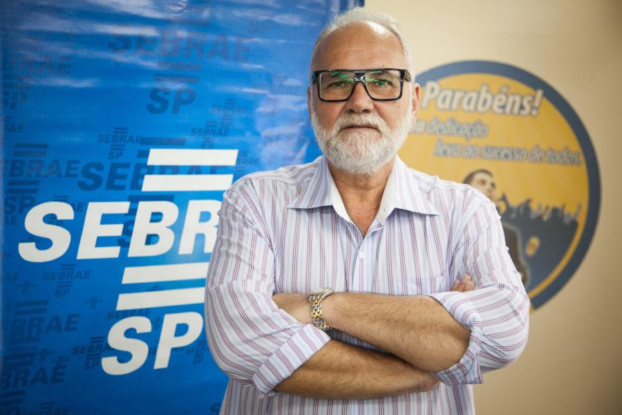 Consultor Sergio Diniz, na sede do escritório do Sebrae em Campinas. Data: 24/03/2014. Local: Campinas/SP. Foto: Ricardo Lima/A2FOTOGRAFIA