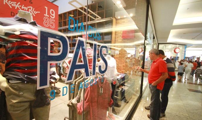 Faturamento no Dia dos Pais tem queda de 10,6%, segundo FecomercioSP