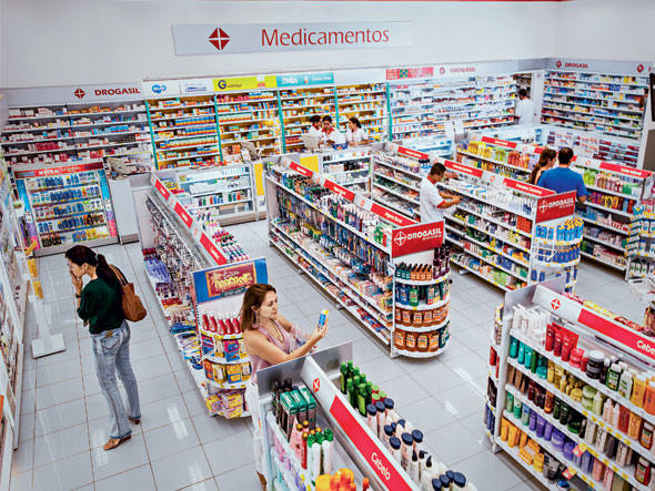 Farmácias inovam e espantam a 'dor de cabeça' da crise