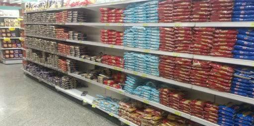 Evitar a falta de produtos vira desafio para os supermercados