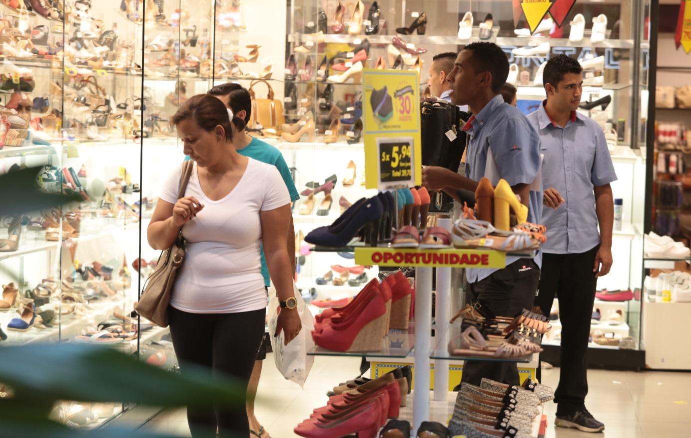 Comércio da RMC perdeu mais de R$ 1 bi de faturamento em 2016
