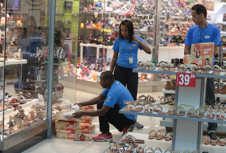Varejo na região de Campinas fechou 13 postos de trabalho por dia ano passado