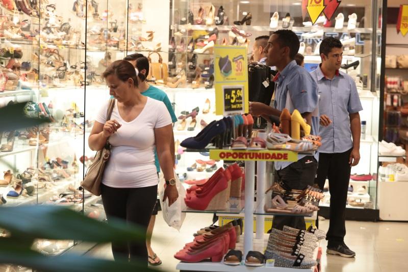 Faturamento do comércio na região atingiu R$ 4,3 bi em novembro