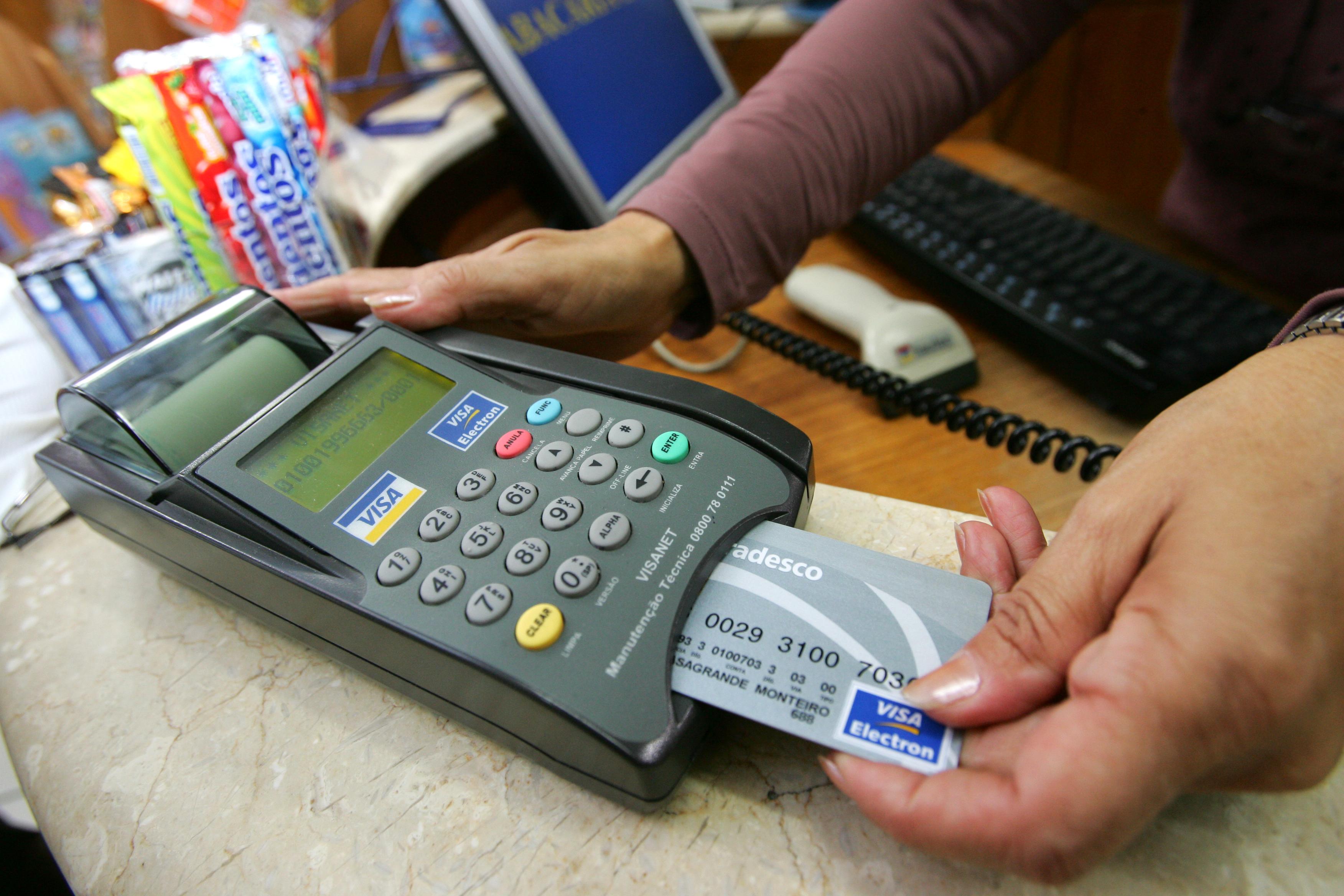 Mudança no repasse dos bancos ao varejo pode prejudicar lojistas