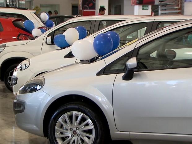 Vendas de carros crescem 17,8%. É o fim da crise?