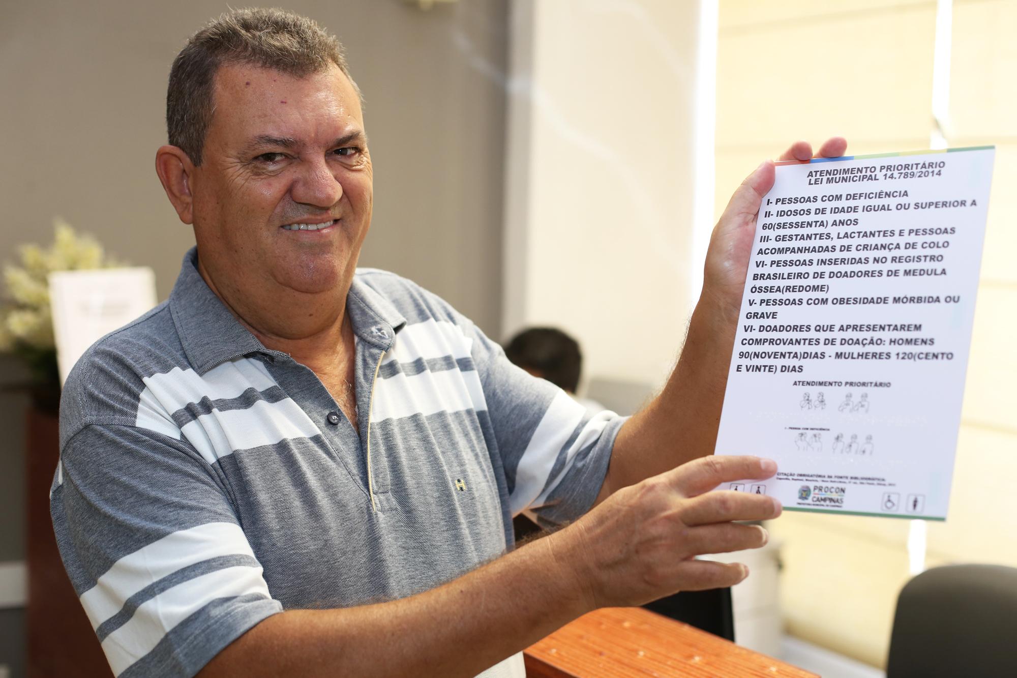 Adquira placa de atendimento prioritário exigida em Campinas