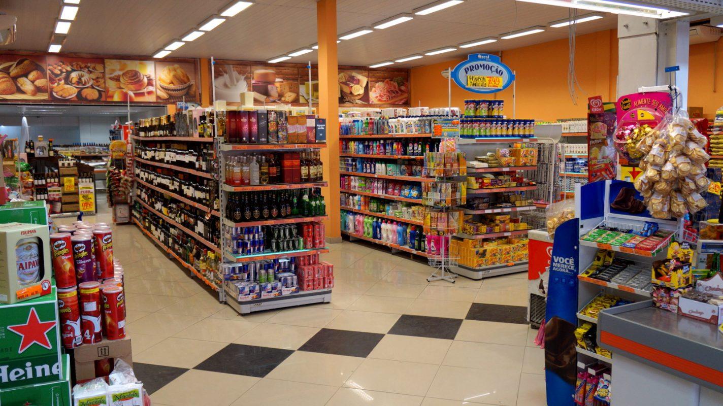 Minimercados geraram mais empregos em 2017 do que super e hipermercados
