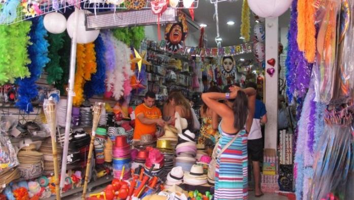 Varejista: Carnaval não é feriado e comércio pode funcionar normalmente