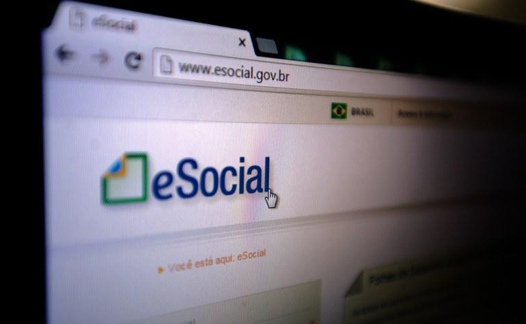 eSocial: SindiVarejista orienta sobre datas e obrigatoriedades