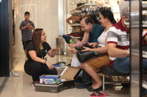Comércio varejista na região de Campinas abre 196 vagas celetistas em julho